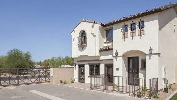 Bellago-Homes-Phoenix-New-Build-Cottage-at-Arcadia-Outside2