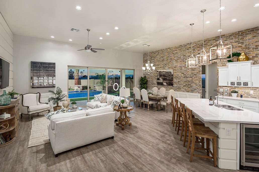 Tonto-Forest-Dining-Great-Room-Kitchen